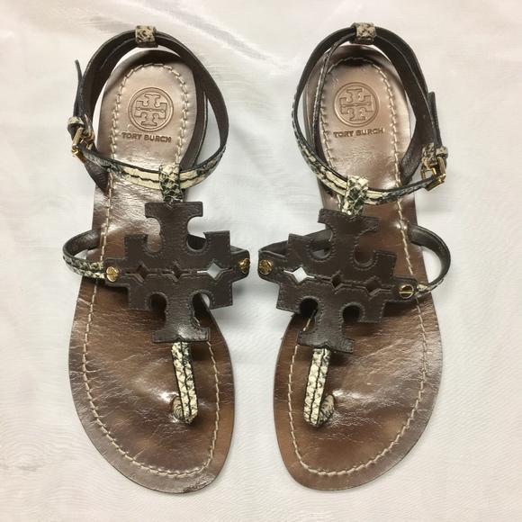 32d31e0d8 TORY BURCH Phoebe Snake Embossed Flat Sandals. M 5b21dab15c445279fe155483